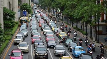 交通管理措施融合?#25191;?#25216;术 ?#34892;?#36943;制拥堵问题